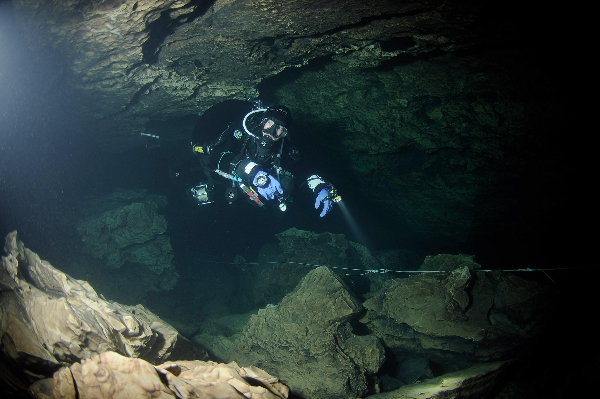 Nurkowanie w jaskini,,,